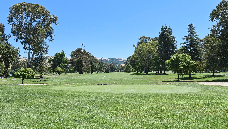 022_golf-course